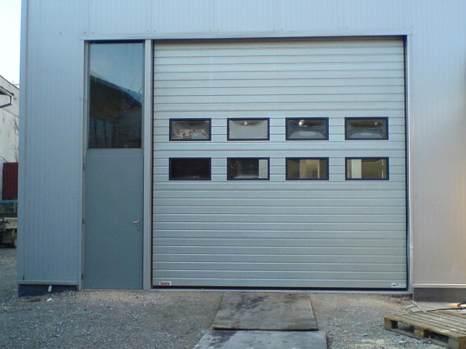 Индустриални секционни врати - 2